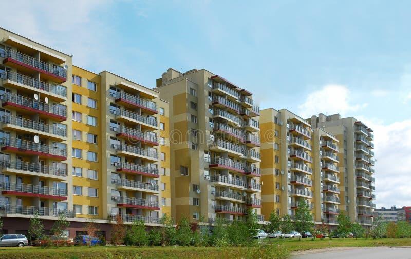 Download Vilnius Vandaag. Nieuwe Gebouwen Bij Perkunkiemis. Stock Foto - Afbeelding bestaande uit architectuur, facade: 39104118