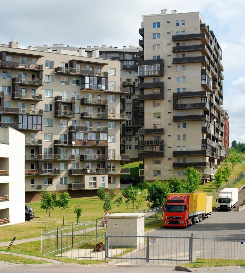 Download Vilnius Vandaag. Nieuwe Gebouwen En Aard. Stock Foto - Afbeelding bestaande uit hoog, stad: 39103658