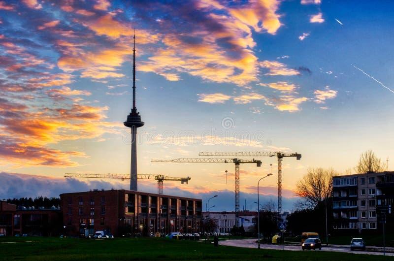 Vilniuscityscape bij zonsondergang royalty-vrije stock afbeelding