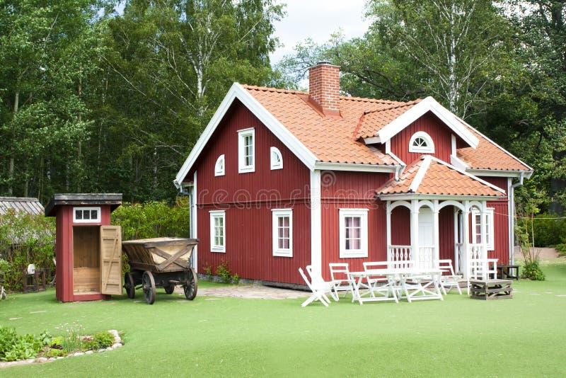 VIMMERBY SVERIGE - Juni 19, 2018 - världen för Astrid Lindgren ` s, Astrid Lindgrens Varld är ett nöjesfält Hus för Emil ` s fotografering för bildbyråer