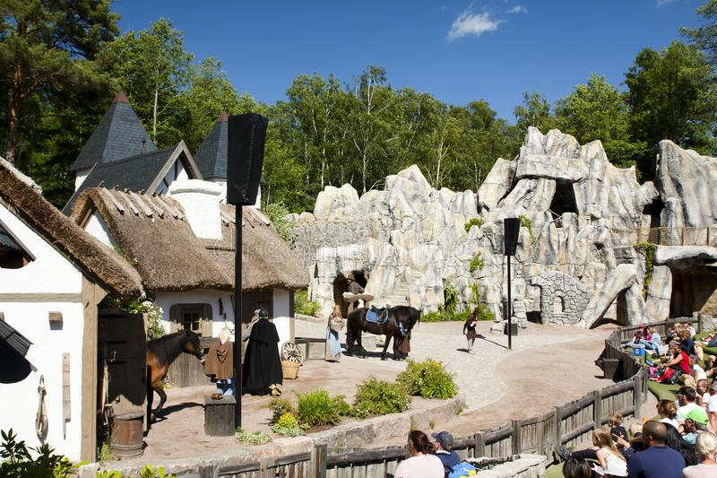 VIMMERBY, SVEZIA - 19 giugno 2018 - mondo del ` s di Astrid Lindgren, Astrid Lindgrens Varld è un parco a tema Fratelli Lionheart fotografia stock