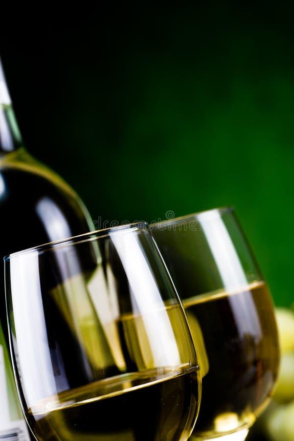 Vin blanc et fromage photographie stock libre de droits