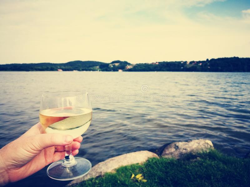 Download Vin blanc sec photo stock. Image du froid, extérieur - 76088640