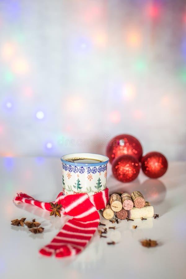 Vin chaud de Noël des soirées d'hiver photos libres de droits