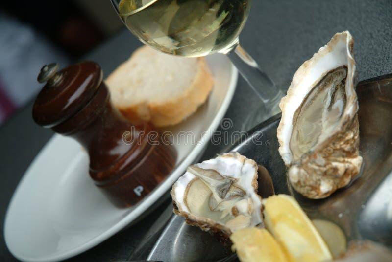 vin d'huîtres images stock