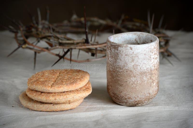 Vin de pain et couronne des épines photo libre de droits