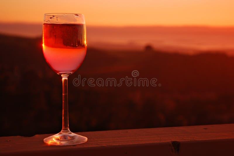 Download Vin de Rose image stock. Image du paquet, alcool, sunset - 4350241