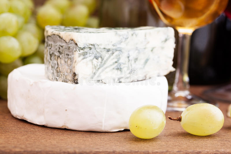 Vin et fromage images libres de droits