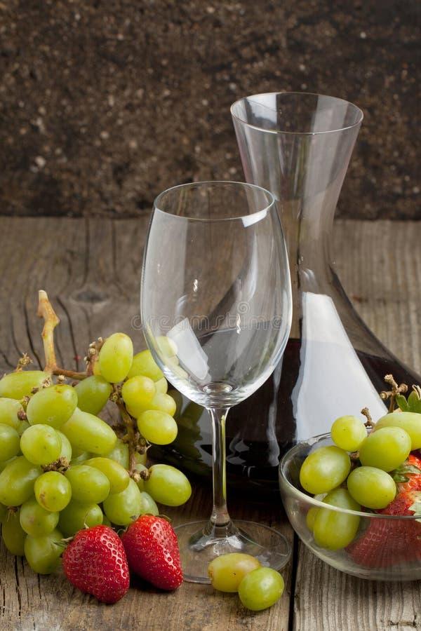 Vin et fruits photos libres de droits