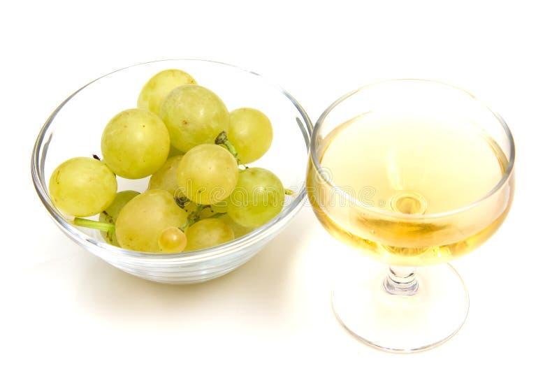 Download Vin et raisins photo stock. Image du isolement, célébration - 45352048