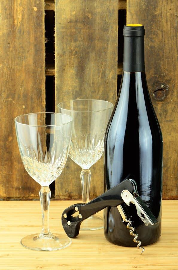 Vin et tire-bouchon en verre photos libres de droits