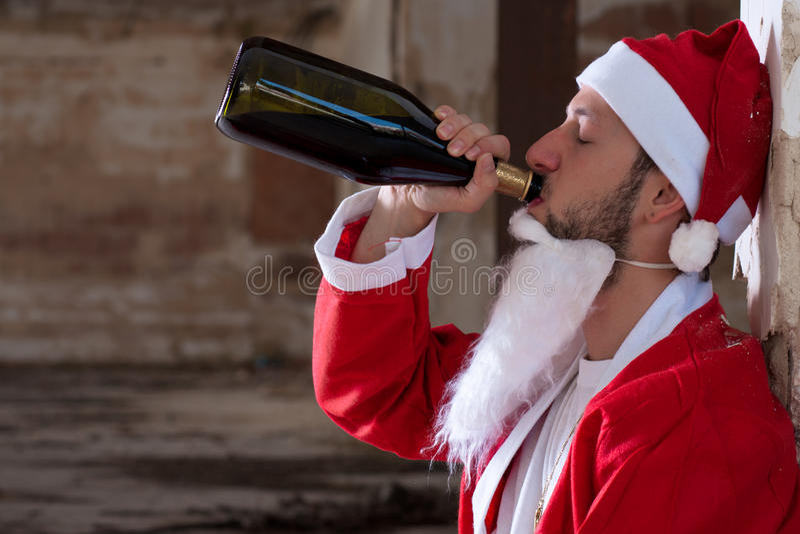 Vin potable de Santa images libres de droits