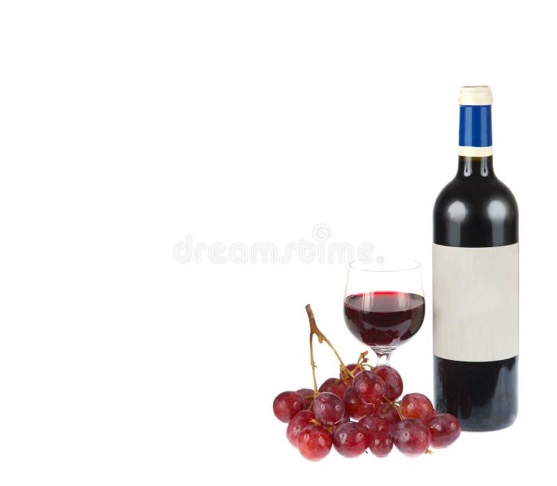 Vin Rouge Avec Des Raisins D Isolement Sur Le Blanc Photographie stock