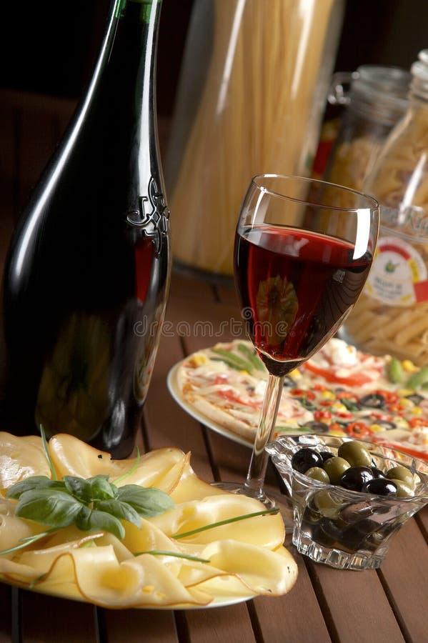 Vin rouge et fromage images libres de droits
