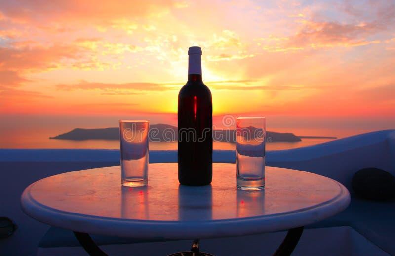 Vin sur le coucher du soleil image stock