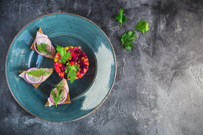 Vinagrete caseiro da salada das beterrabas foto de stock royalty free