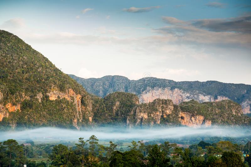 Vinalesvallei bij zonsopgang, Cuba royalty-vrije stock foto's