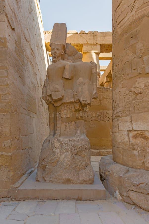 Vind Gelijkaardig een Comp sparen aan de Tempel van Lightbox Karnak, Luxo krijg stock afbeeldingen