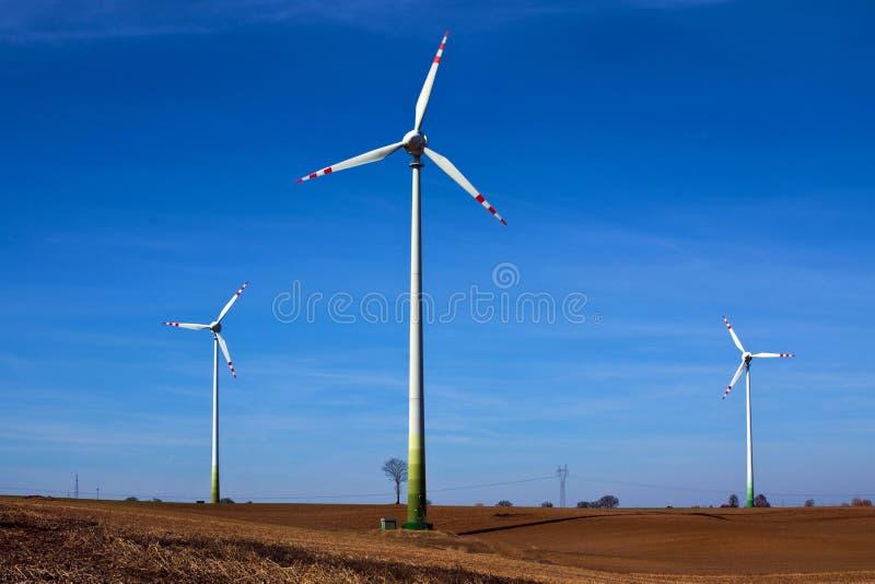 vindkraftväxt, väderkvarnar, förnybara energikällorkällor, arkivfoto