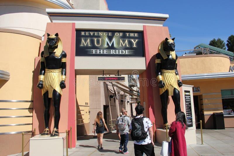 Vingança do Mumy em estúdios universais Hollywood imagens de stock
