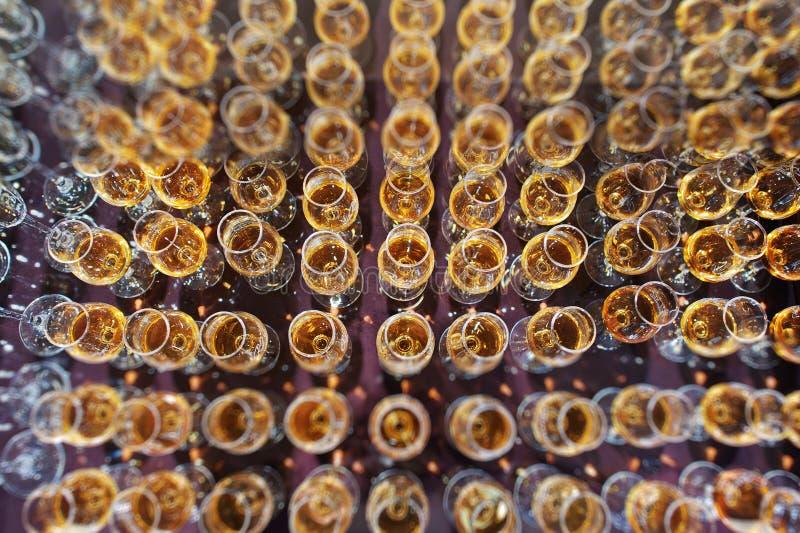 Vinho, champanhe, vidros do conhaque imagens de stock royalty free
