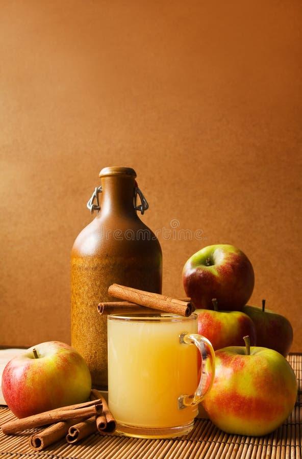 Vinho de Apple imagens de stock