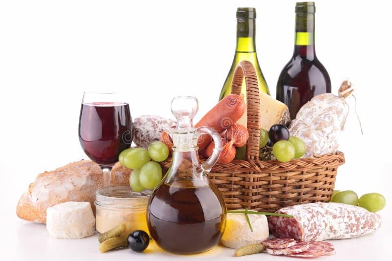 Vinho, salsicha e pão fotos de stock