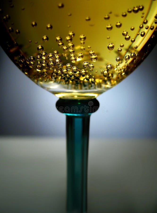 Vinho sparkling dourado foto de stock royalty free