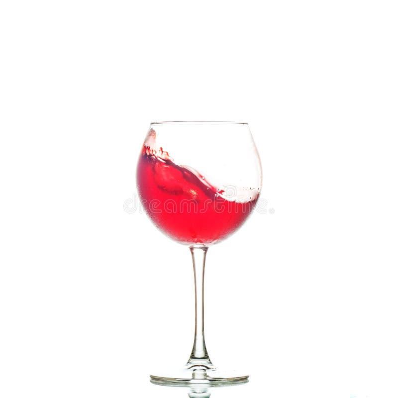 Vinho tinto saboroso em um vidro O conceito das bebidas alcoólicas, r fotografia de stock