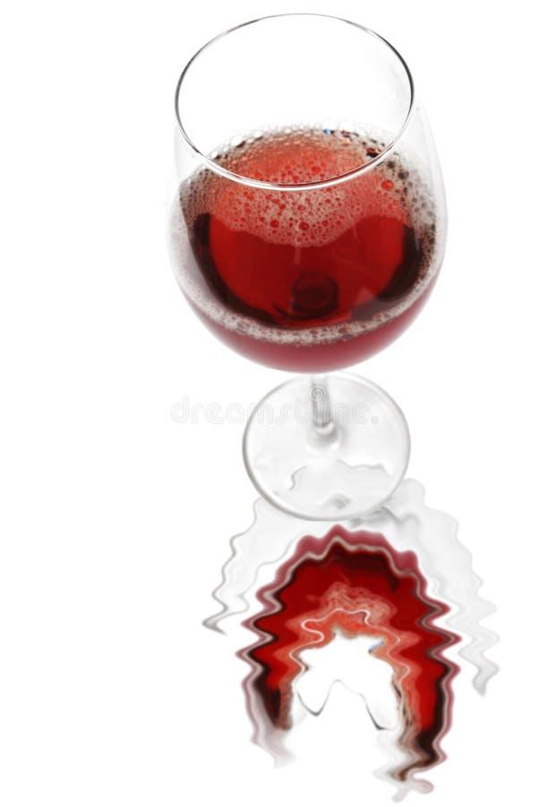 Vinho vermelho refletido foto de stock royalty free