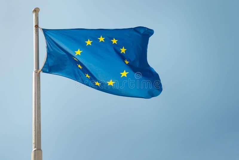 Vinkande EU för europeisk union sjunker royaltyfri foto