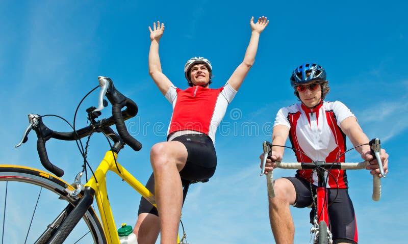 Vinnande cyklist royaltyfria foton