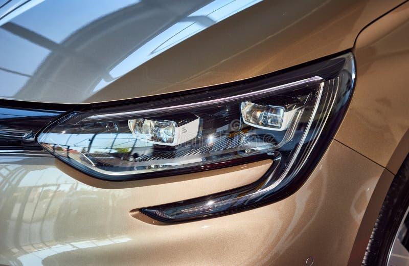 Vinnica, Ukraina - 7 sierpnia 2019. Renault Megane - prezentacja nowego modelu samochodu w salach wystawowych - światło z prawej fotografia royalty free