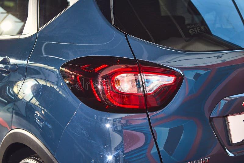 Vinnitsa, Ucraina - 2 aprile 2019 Renault Captur - presentazione dell'automobile di nuovo modello in sala d'esposizione - faro po immagine stock