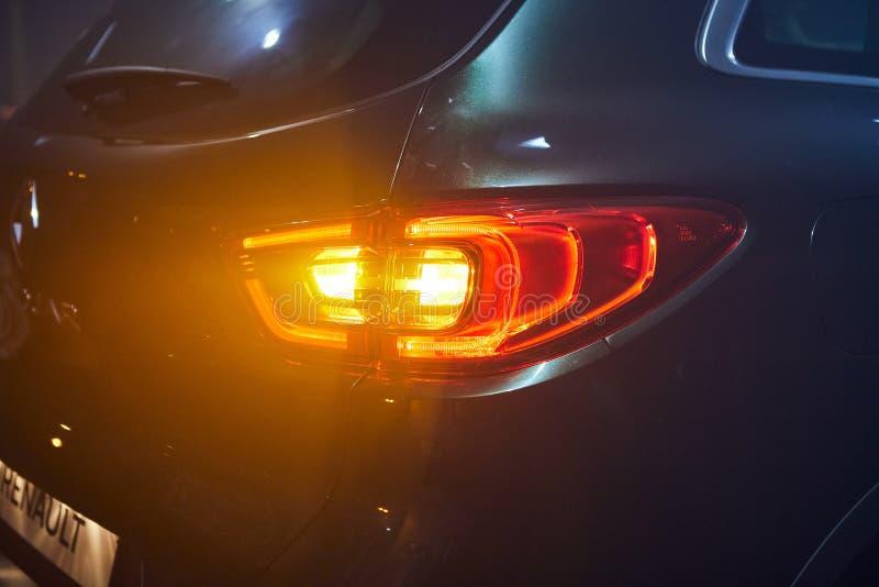 Vinnitsa Ukraina, Marzec, - 21, 2018 Renault Kadjar tylni światło - nowego modela samochodu prezentacja w sali wystawowej - zdjęcia stock