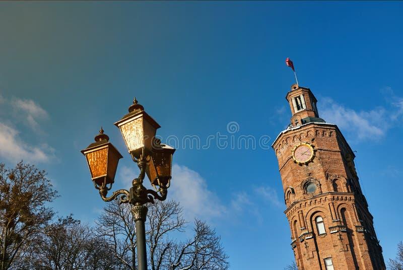 Vinnitsa, Ukraine - 28. November 2018: Wasserturm am europäischen Quadrat in Vinnitsia lizenzfreies stockbild