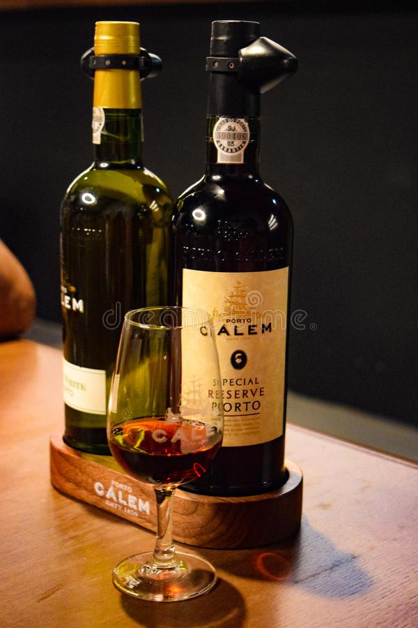 Vino de Oporto del viñedo de Calem en Oporto Portugal imágenes de archivo libres de regalías
