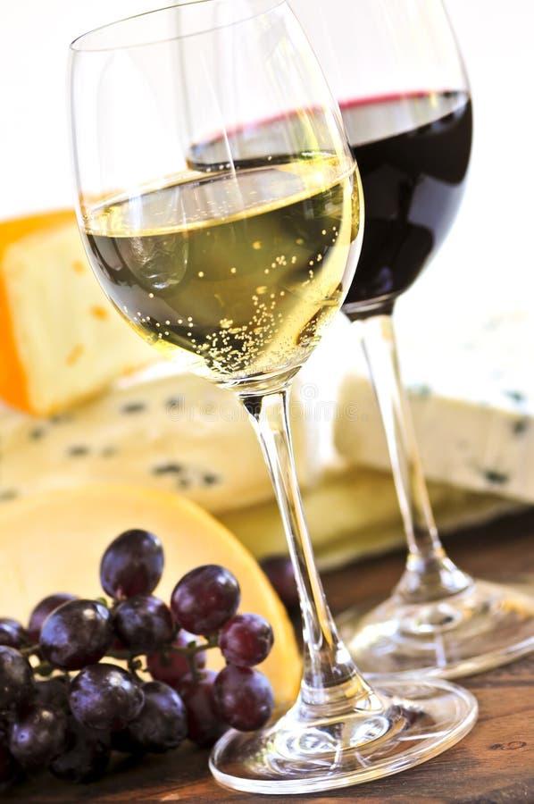 Vino e formaggio fotografie stock libere da diritti