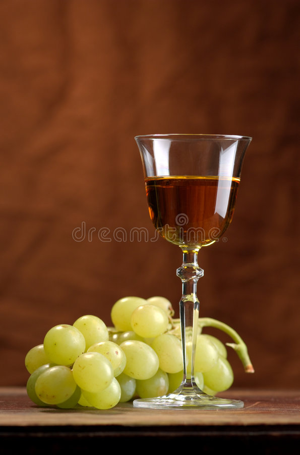 Download Vino ed uva fotografia stock. Immagine di vetro, maturo - 7314612