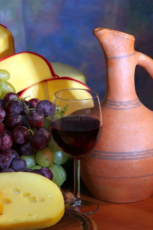 Vino, formaggio ed uva immagine stock libera da diritti