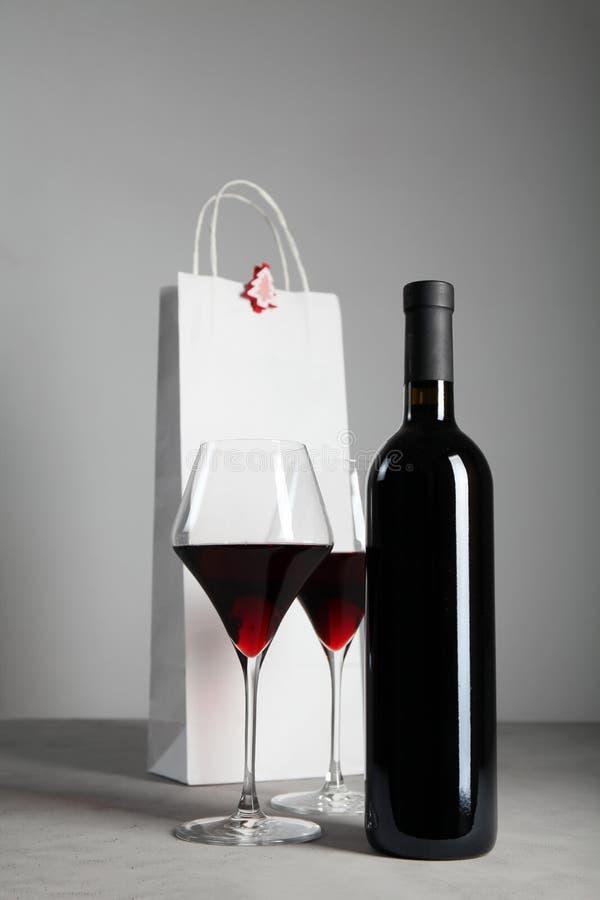 Vino rosso per il Natale, atmosfera festiva fotografia stock