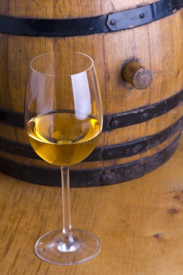 Vino y barril del vino fotografía de archivo