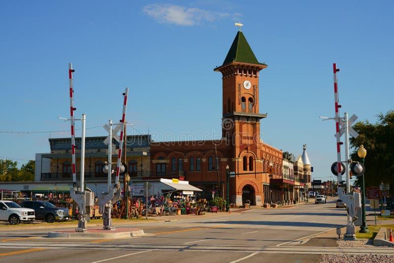 VINRANKA TARRANT COUNTY, TEXAS, USA - JULI 24, 2019: Main Street i den historiska vinrankan, Texas arkivbilder