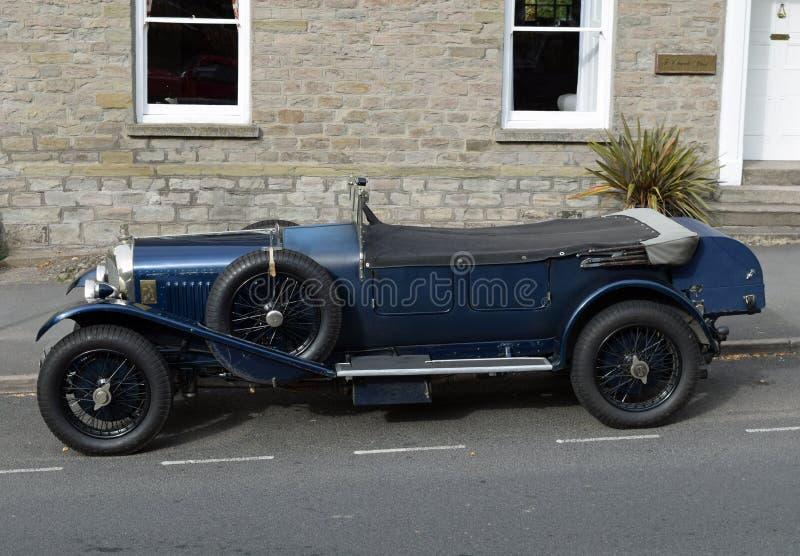 Vintage Bentley Convertible Car azul no Feno-em-Wye, Herefordshire imagens de stock royalty free