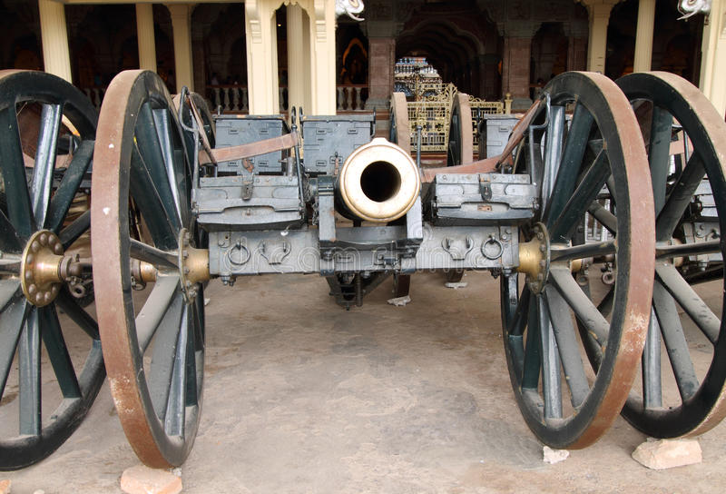 Download Vintage Canon Carriage At Mysore Palace Stock Photo - Image of metallic, danger: 26617310