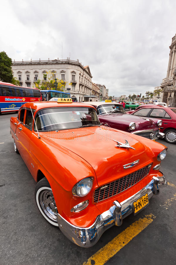 Download Vintage Cars Parked In Havana Editorial Stock Photo - Image of parked, caribbean: 20967618