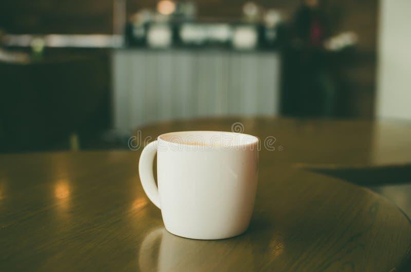 Download Vintage de la taza de café foto de archivo. Imagen de vendimia - 64207450