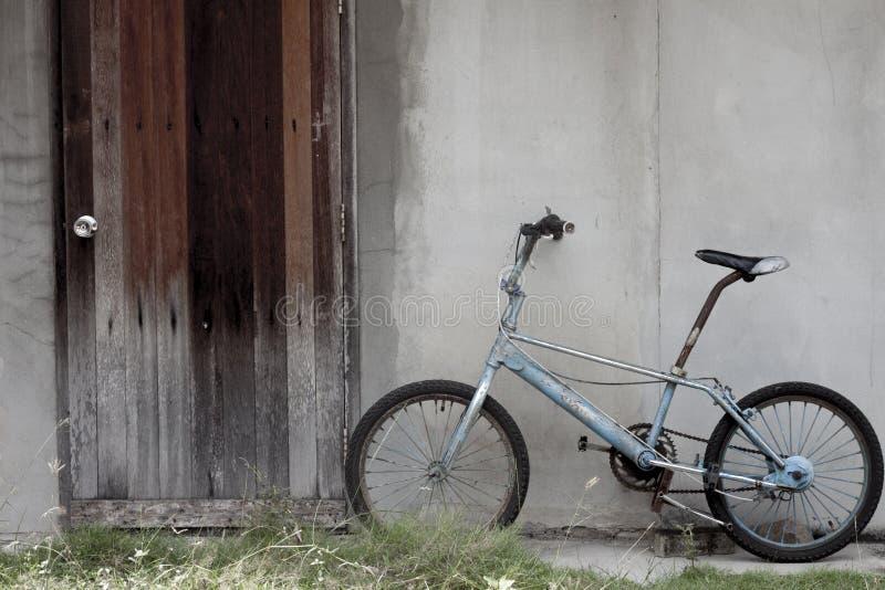 Vintage de vieille bicyclette photographie stock libre de droits