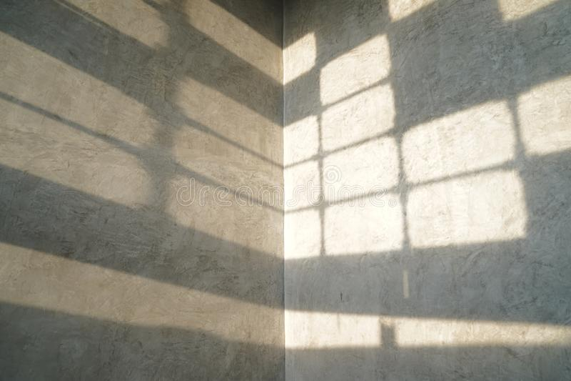 Vintage e estilo moderno do papel de parede do teste padr?o do s?t?o com a sombra da luz da janela nela fotos de stock