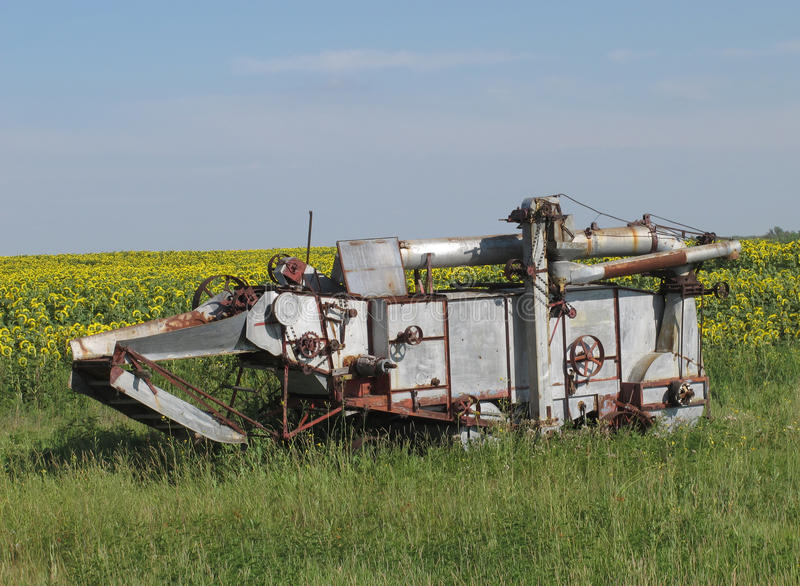 Download Vintage Farming Harvester Combine Stock Image - Image: 26275237